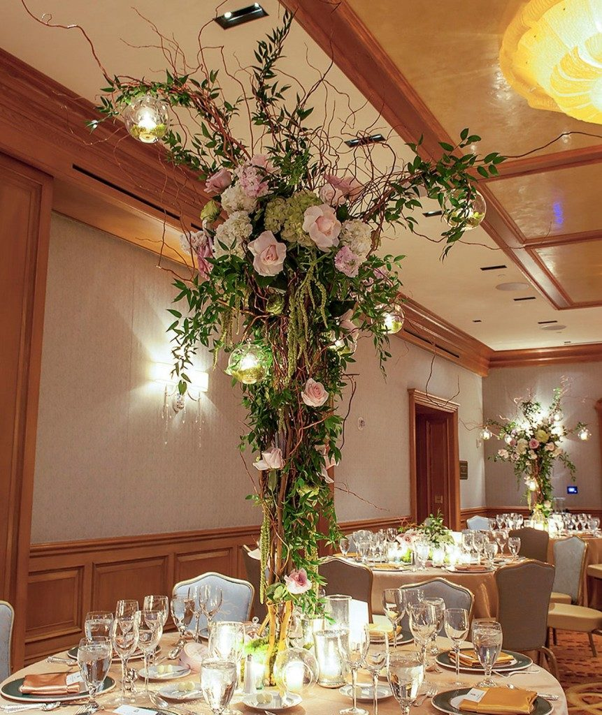 Flower arrangements you can find in flower shop singapore some of the best flower shop singapore provide this kind of service which you can use for events or home decorations need fresh flowers from them will junglespirit Image collections