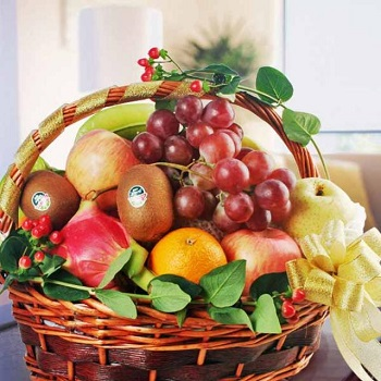 How You Can Order and Send a Fruit Basket Singapore As A Gift?